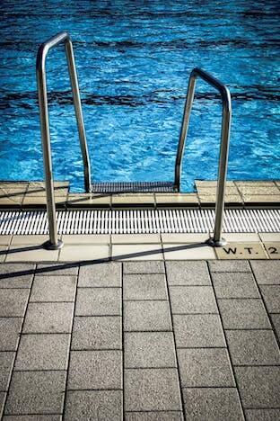 swimming during the coronavirus pandemic
