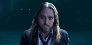 Tim Minchin releases title track from Apart Together